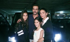 Arjun Rampal with his wife Mehr Jesia and two daughter Mahika and Myra.
