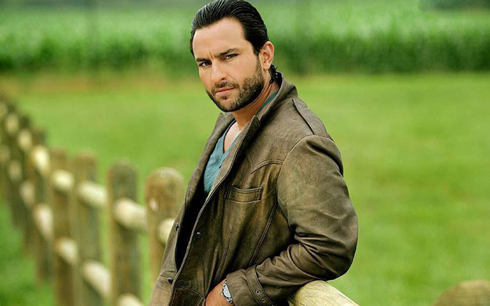 Saif Ali khan posing for the camera