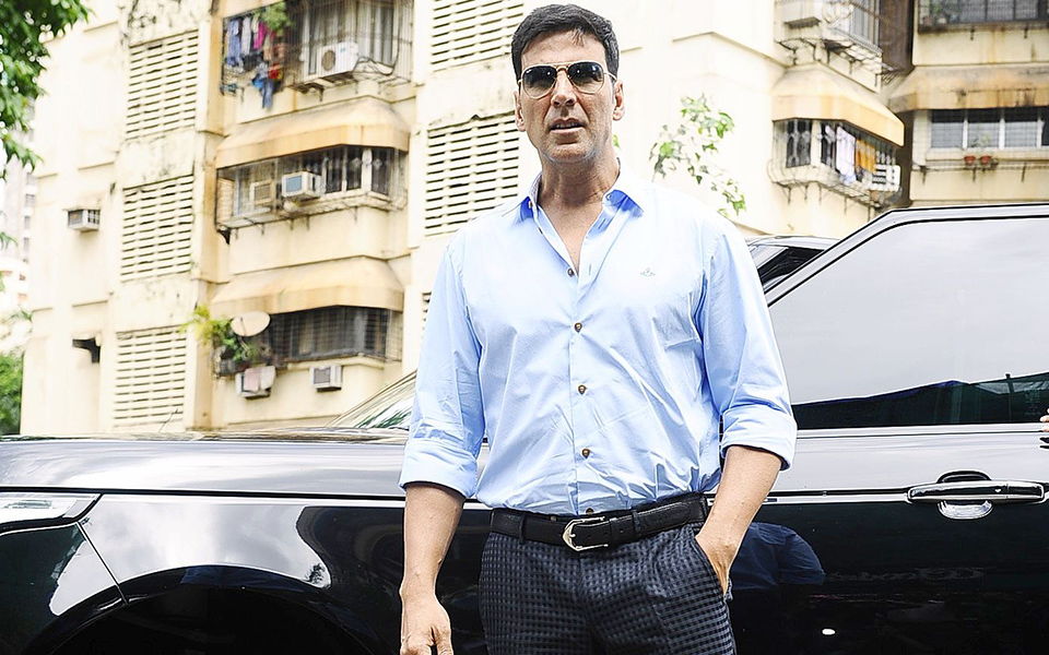 Akshay Kumar and his car