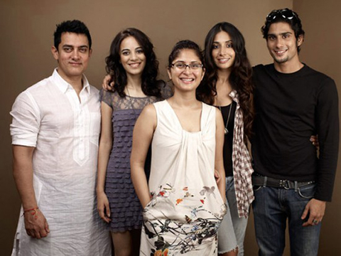 Amir Khan with his family