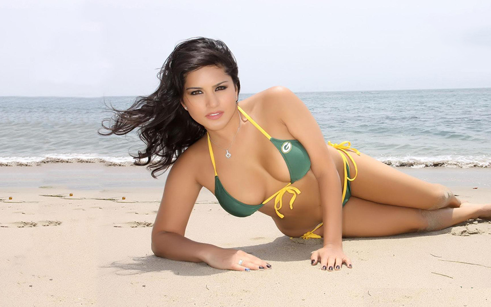 Sunny Leone Beach Photo Shoot