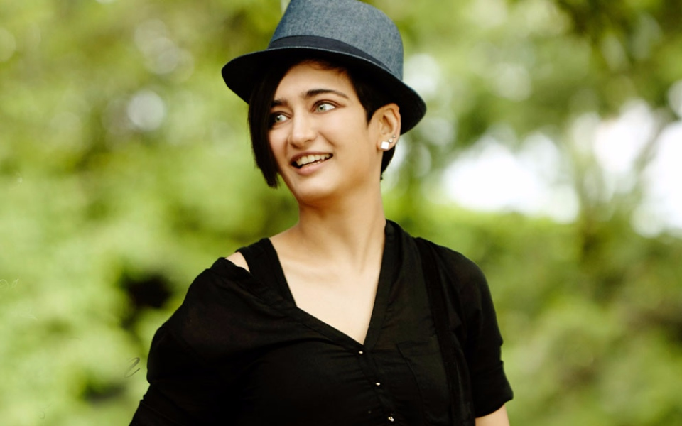 Akshara Haasan Nude Photos 20